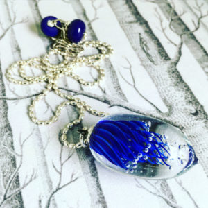 COLLECTION IMPLOSION PENDENTIF BLEU MARINE