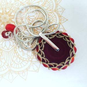 COLLECTION MANDALA COLLIER ROUGE