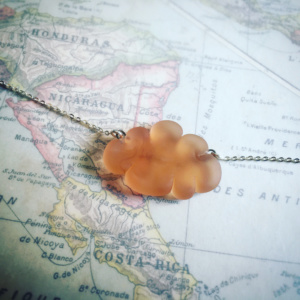 ROSE PECHE COLLIER NUAGE