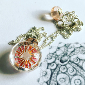 COLLECTION OURSIN ROSE PECHE MINI PENDENTIF
