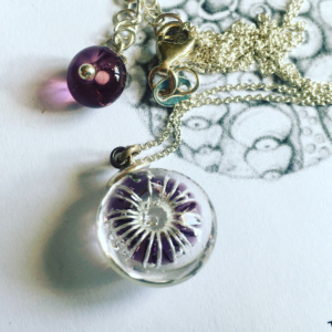COLLECTION OURSIN VIOLET MINI PENDENTIF